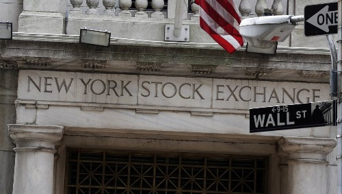 U.S. stocks wind up mixed as retailers rise, healthcare dips - Los Angeles Times