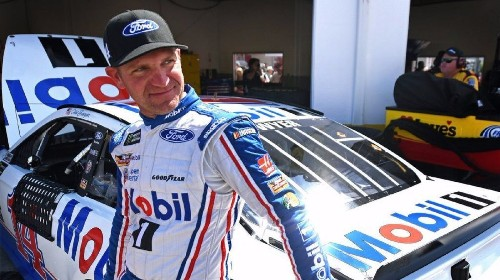Clint Bowyer finds smooth ride with Stewart-Haas Racing