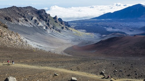 Hawaii: Dirt trails by day, luxury by night on this hiking tour of Maui and Lanai