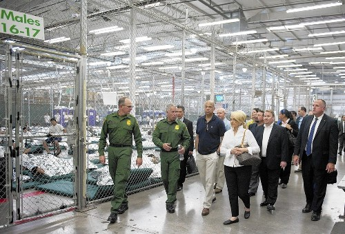 Border crisis: U.S. targets money launderers to track child smugglers - Los Angeles Times