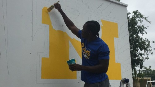 Rams rookies pitch in for community project at East Los Angeles school