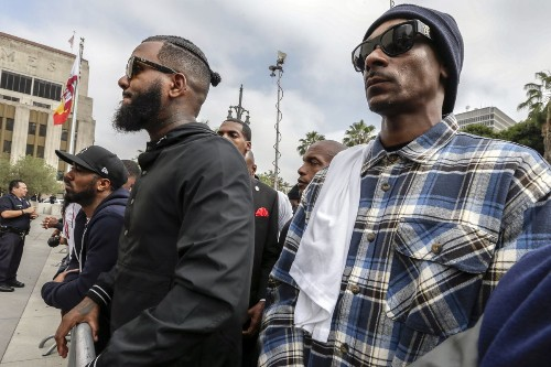 The Game meets with L.A. gangs in an effort to stop killings