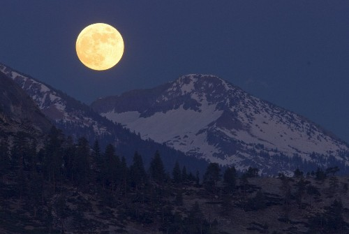 A full, yellow 'honey moon' will rise tonight: A must-see
