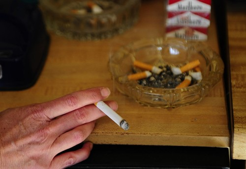 If you're having trouble quitting smoking, maybe you can blame your DNA - Los Angeles Times