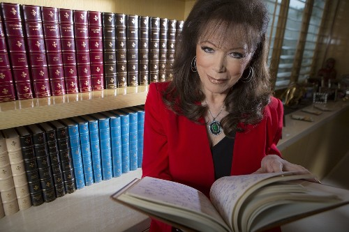 Jackie Collins, bestselling author of sexy, unapologetically trashy fiction, dies at 77