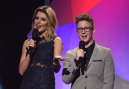 Fifth Streamy Awards brings a diverse mix of traditional and digital stars - Los Angeles Times