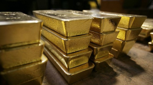 Gold jumps to its highest price in six years as global risks rise