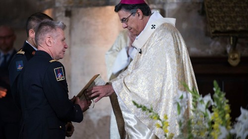 Paris firefighters who saved Notre Dame Cathedral honored at Easter Mass
