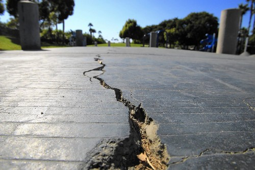 Helium finding adds new wrinkle to Newport-Inglewood fault - Los Angeles Times