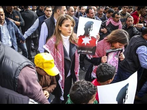Jordanians rally in revulsion to killing of pilot