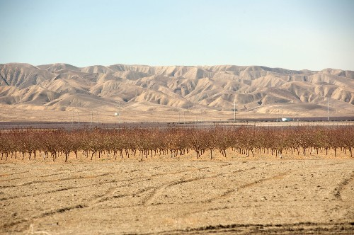 Drought could cost Central Valley farms $1.7 billion and 14,500 jobs - Los Angeles Times