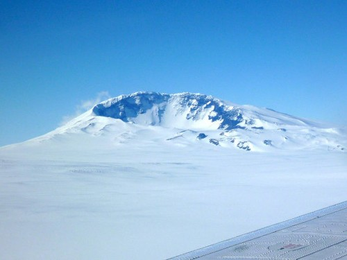 Volcano discovery hints at fire below ice in Antarctica - Los Angeles Times