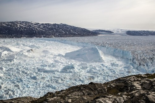 Climate change: Greenland Ice Sheet is shrinking at high rate - Los Angeles Times