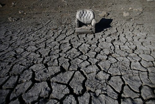 California drought prompts first-ever 'zero water allocation' - Los Angeles Times