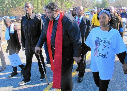 North Carolina teen's hanging ruled a suicide, but was it a lynching? - Los Angeles Times