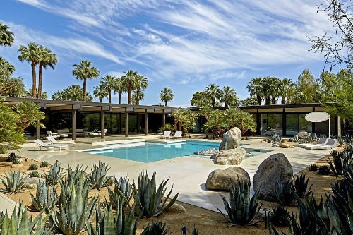 In Palm Springs, a record $9-million sale showcases the Midcentury craze