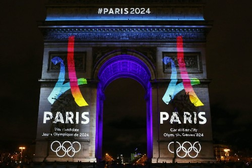 Paris goes public with 2024 Olympic bid while Rome takes a hit