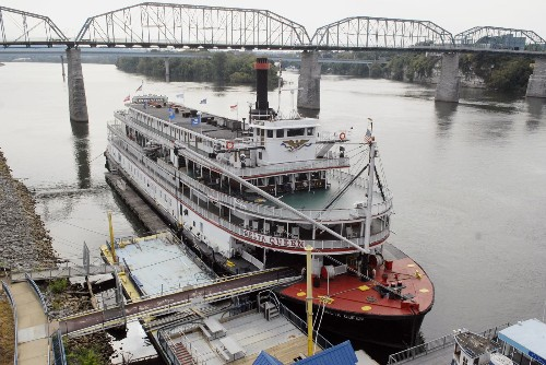 Historic 1920s Delta Queen riverboat can cruise again - Los Angeles Times
