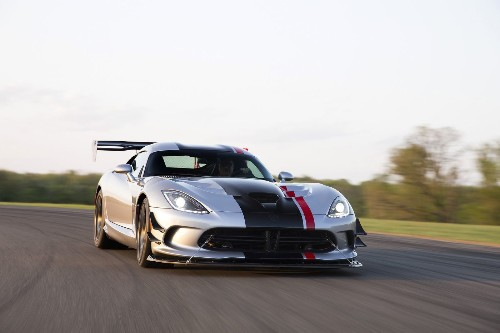 2016 Viper ACR: Dodge raises the street-legal supercar stakes