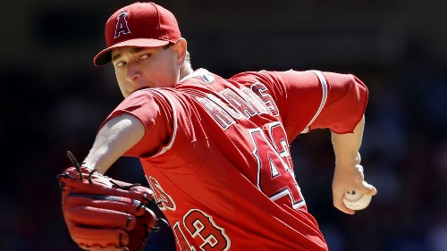 Angels relievers can't back up Garrett Richards in loss to Rangers