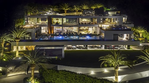 Bruce Makowsky's Bel-Air spec house returns to market at $150 million - Los Angeles Times