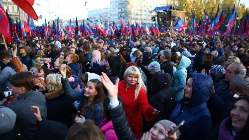 Russia offers citizenship to Ukrainians in breakaway regions in a provocative move