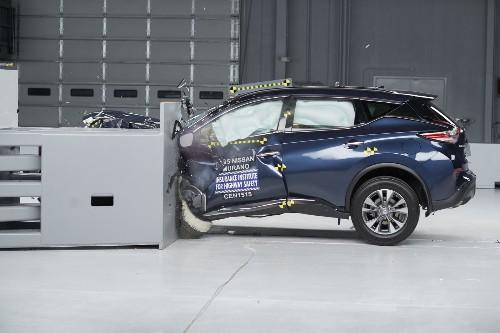Nissan Murano aces crash tests; Jeep, Dodge and Hyundai fare poorly - Los Angeles Times