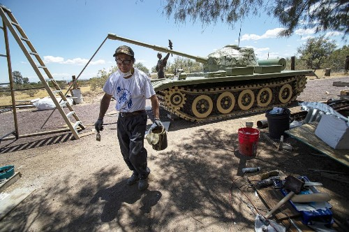 With Tiananmen Square 'Tank Man,' Chinese sculptor will keep democracy's flame alive in Mojave