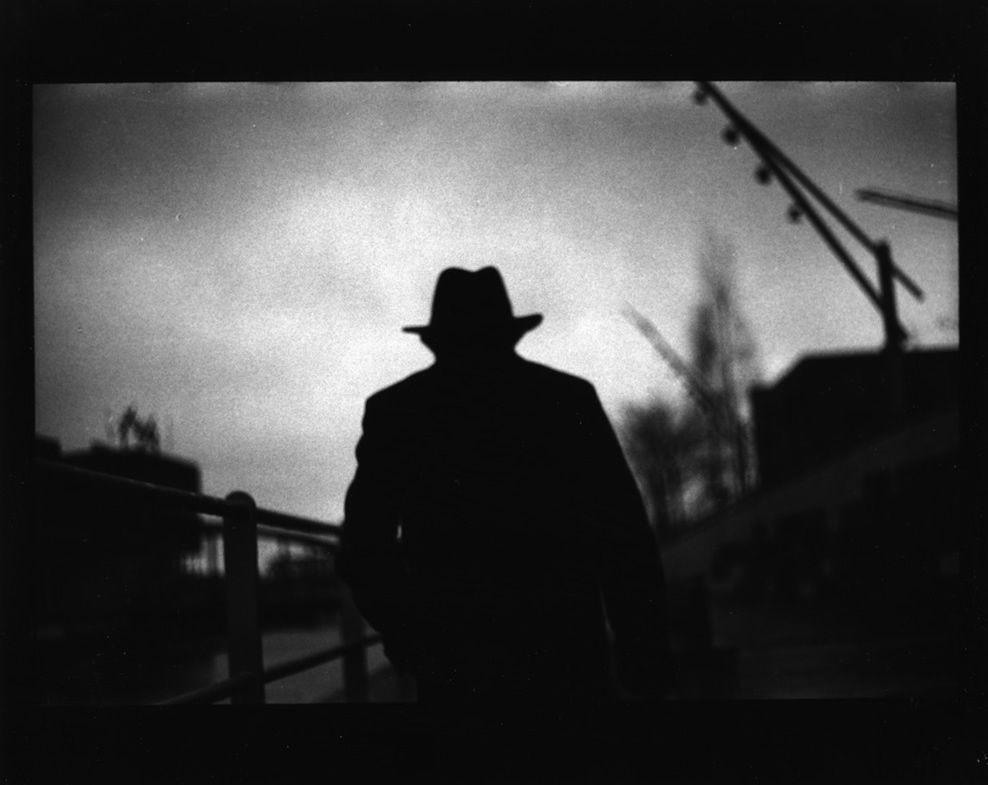 The Flâneur: Black and White Hamburg - Photographs by Giacomo Brunelli | LensCulture