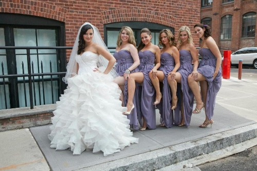 20 Awkward Bridesmaids Photos That Literally Made Us LOL