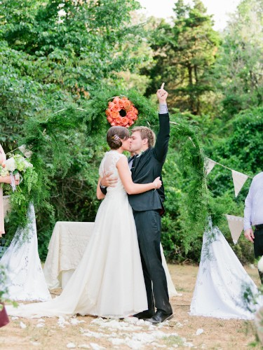 Here's Everything You Need to Consider If You're Planning an Outdoor Wedding