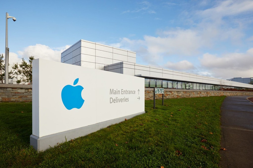 Apple Celebrates 40 Years of Community At Its Cork Campus in Ireland