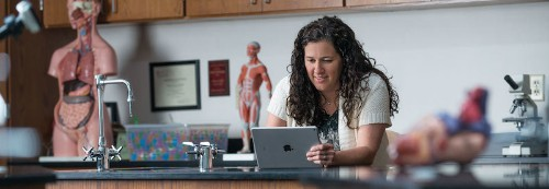 Apple Promotes iPad in Classroom With New Education Profiles