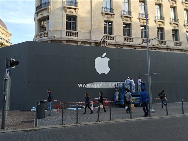 Apple Opening New Retail Store in Lille, France Saturday, November 15