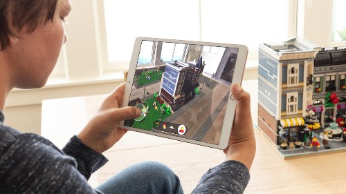 Apple Unveils 'ARKit 2' and Showcases New LEGO AR App That Interacts With Physical Sets