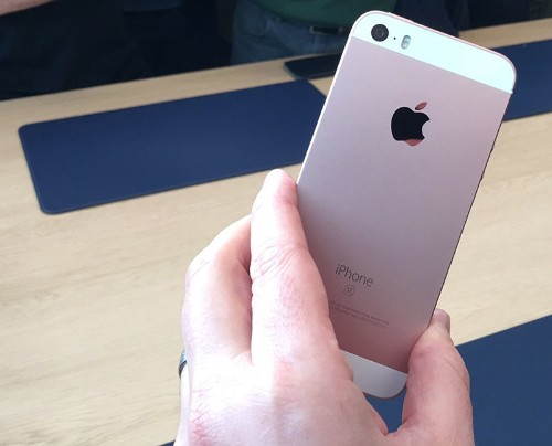"""Hands-On With iPhone SE, 9.7"""" iPad Pro, and New Apple Watch Bands"""