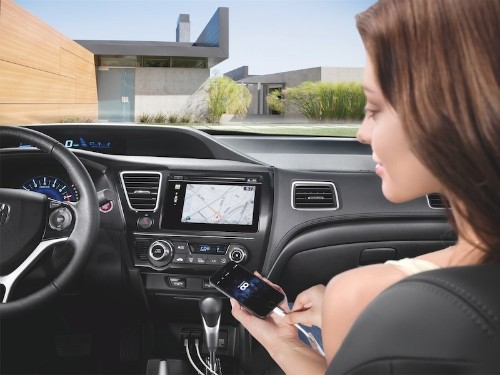 Honda Boosts iOS Car Integration with New HondaLink Services for 2014 Civic, 2015 Fit