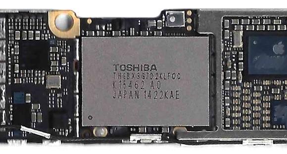4.7-Inch iPhone 6 Logic Board Shown With 16 GB Flash Storage