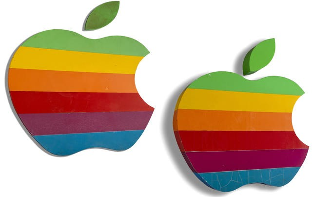 Original 'Rainbow' Apple HQ Signs Up for Auction, Bidding Starts at $10,000