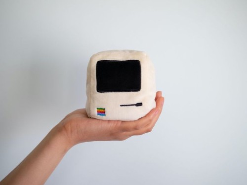 Throwboy Launches New 'Pocket Pillows' Featuring Original Macintosh and iMac G3 Designs