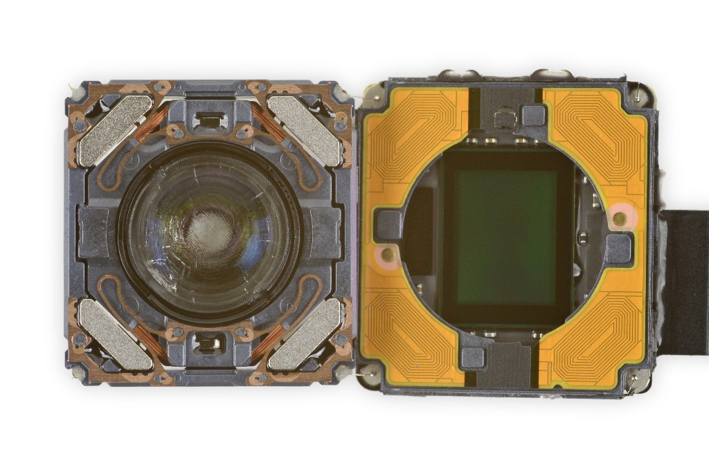 iPhone 12 Camera Repairs Require Apple's Proprietary System Configuration Tool