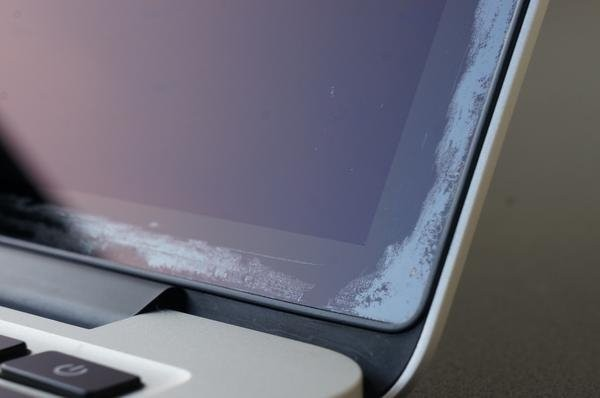 Apple Says MacBook Air With Retina Display Can Exhibit Anti-Reflective Coating Issues, Unclear if Eligible for Free Repairs