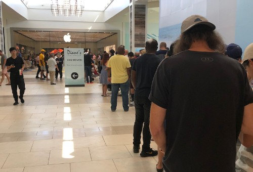 Apple Stores Experiencing 'Global' Issue With iPhone and Apple Watch Reservation Pickups