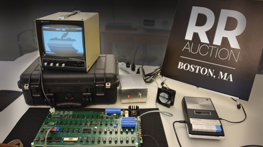 Functional Apple-1 With Original Box Signed by Steve Wozniak Goes to Auction