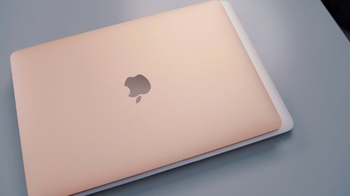 Apple's New 2018 MacBook Air vs. Old MacBook Air