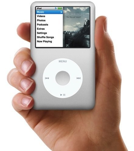 Tim Cook on iPod Classic: 'We Couldn't Get the Parts Anymore'