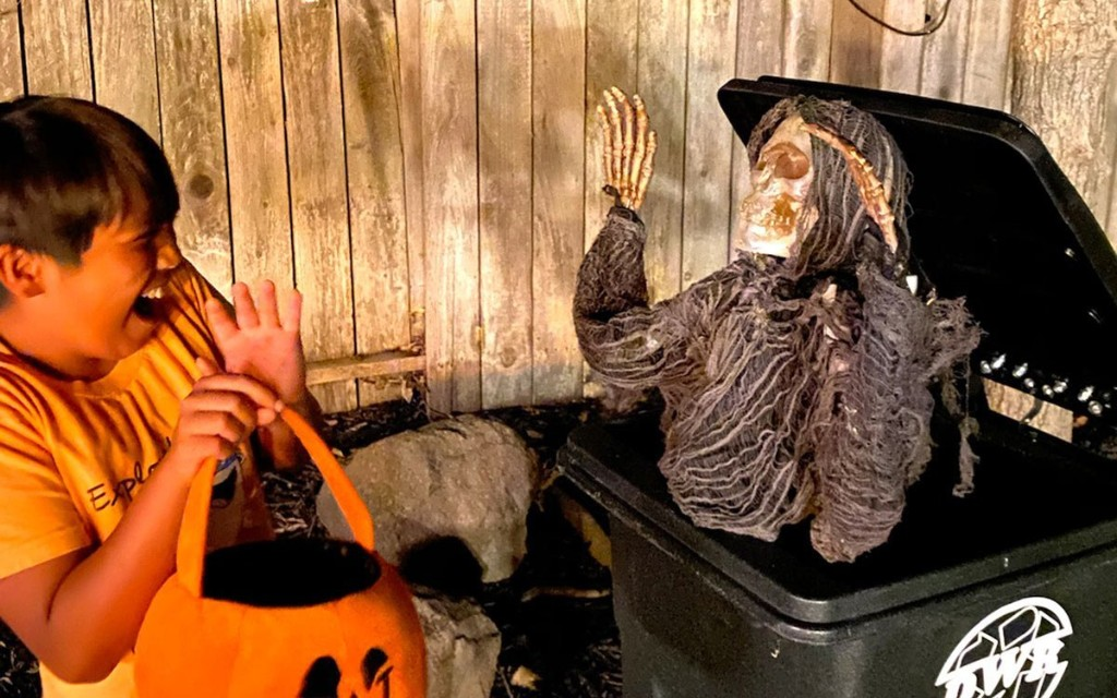 R/C Garbage Can Zombie | Make: