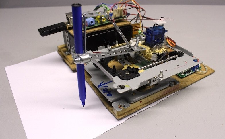 Make This Drawbot From Two Old CD Drives | Make: