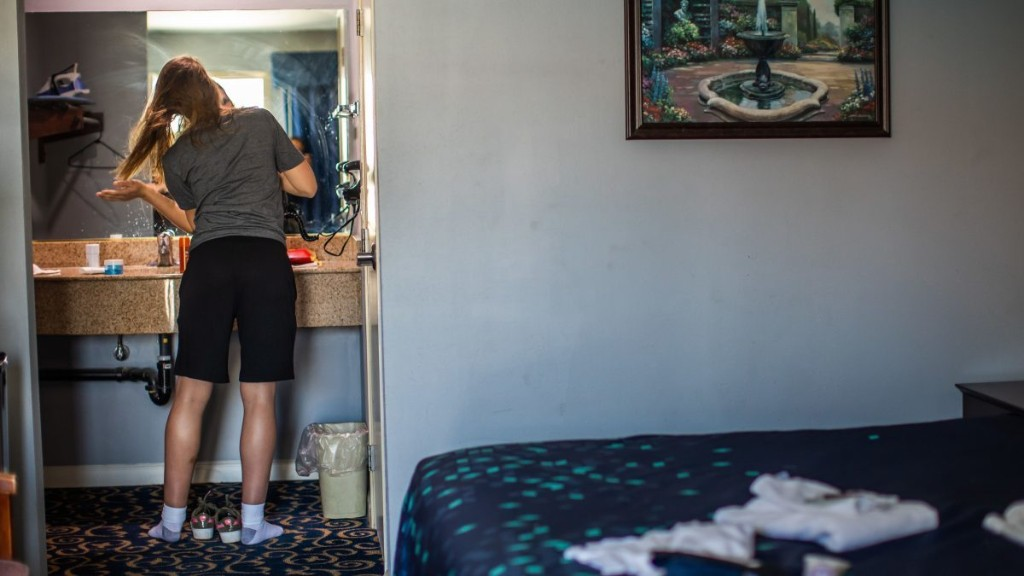 Life in a hotel turned homeless shelter - Marketplace