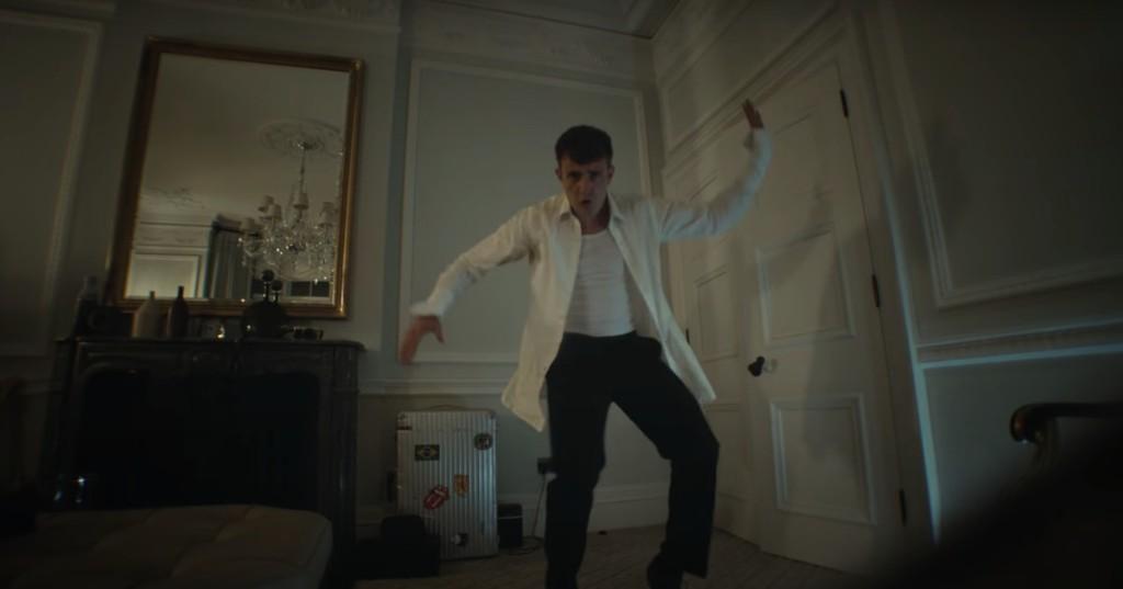 Please enjoy 'Normal People' star Paul Mescal drunk dancing through a hotel